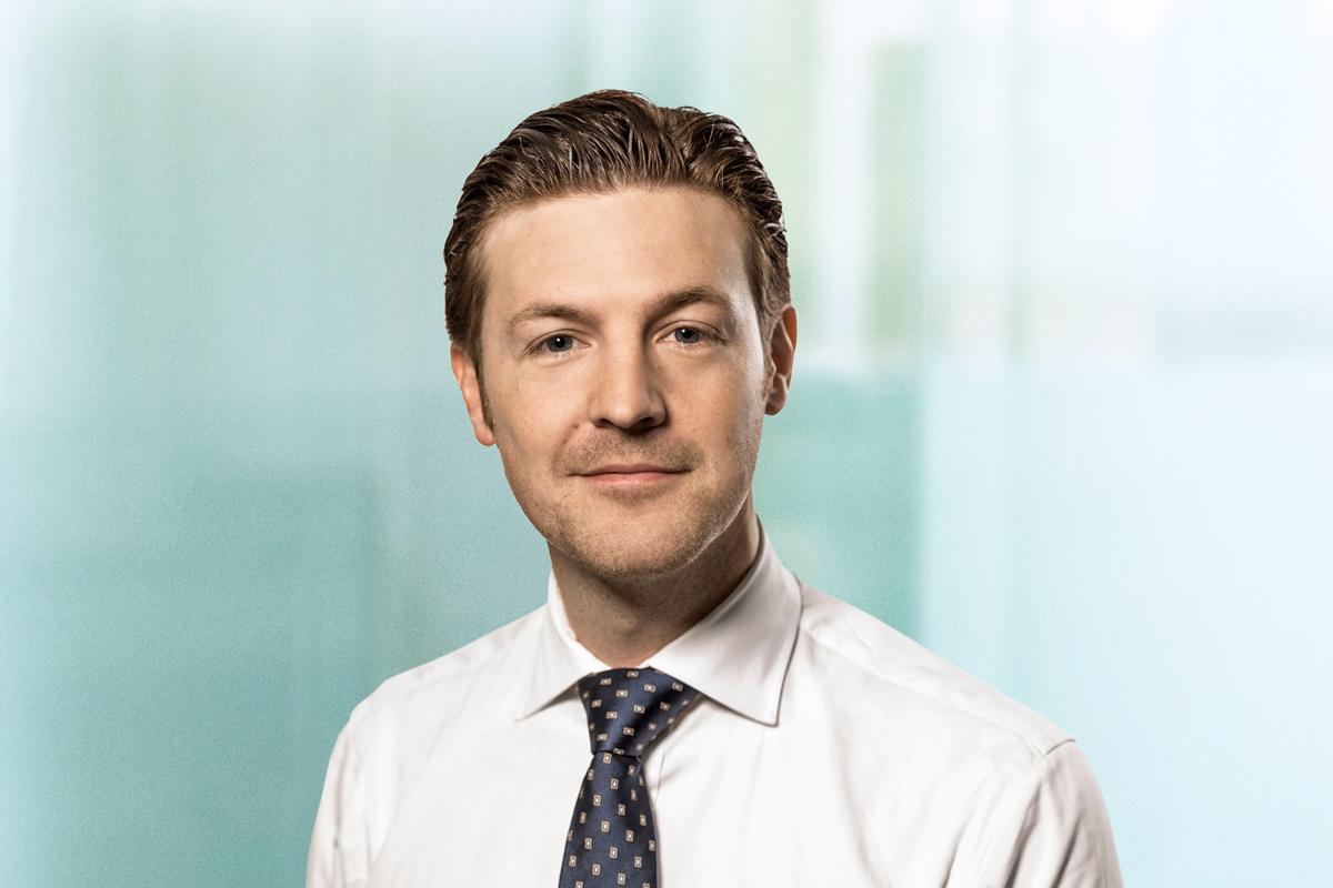 Dr. Alexander Retsch, Associate